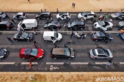 Peugeot устроил автомобильный флэшмоб