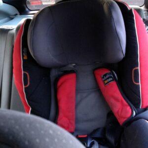 З 20 листопада водіїв штрафуватимуть за відсутність дитячого крісла
